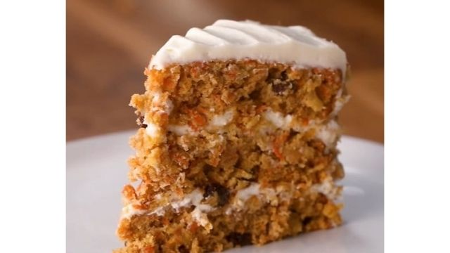 Read more about the article Golden Corral Carrot Cake Recipe   Classic, Moist, And Cream Cheese Frosting Cake