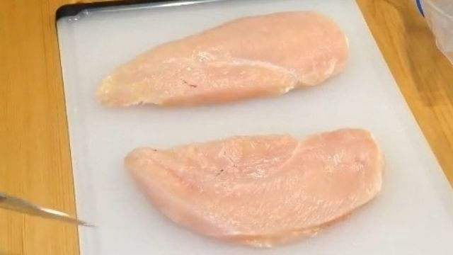 Chicken Breasts Cutting Before Brined
